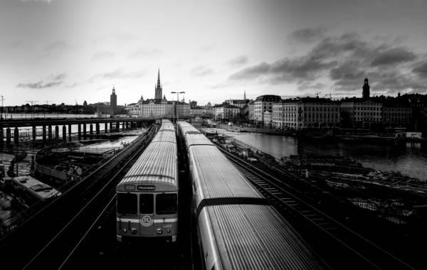 trains-4184537_1280